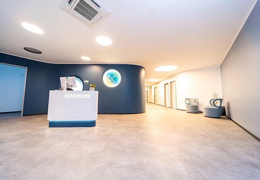 Eingangsbereich zum zweiten Praxisflügel bei novacura in Münster