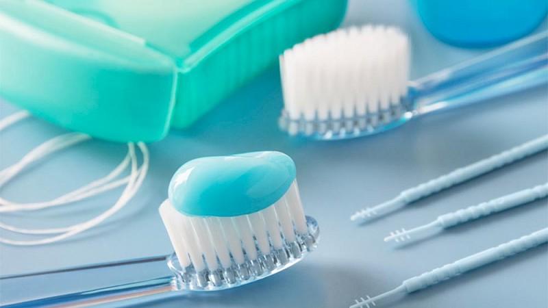 Artikel für die Mundhygiene bei der Parodontitisbehandlung.